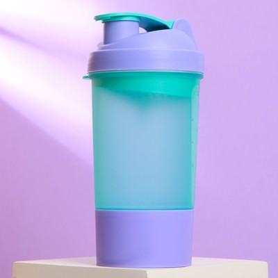 The shaker sports a bowl under protein, 0.5 l