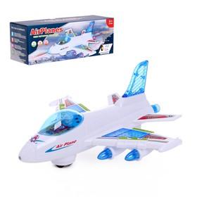Самолёт «Лайнер', работает от батареек, световые и звуковые эффекты