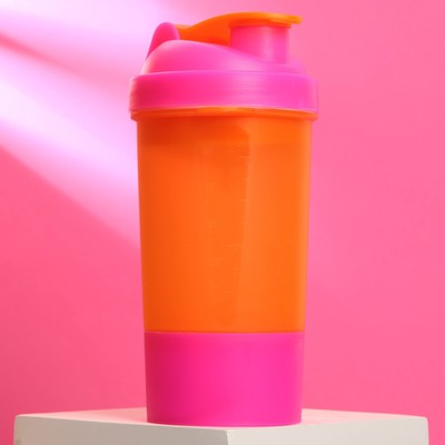 The shaker sports a bowl under the protein, 500 ml