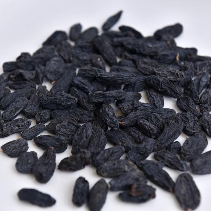 Изюм черный гигант вес  кг - фото 16197