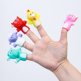 "A set of bath toys, Finger theatre ""farm Animals"""