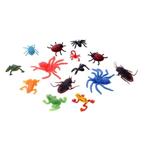 "A set of figures of ""Insects and frogs"", set of 14 pieces, MIX"