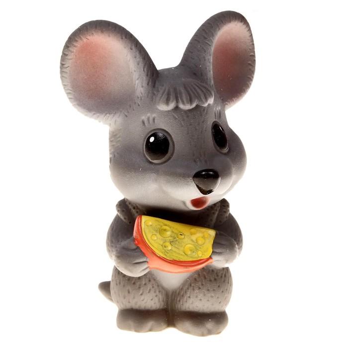 """Резиновая игрушка """"Мышонок с сыром"""""""