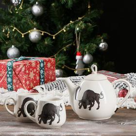 """Набор чайный """"Петелька"""" чайник 0,8 л, и две чашки 0,22 л, белый, глазурь, быки, микс"""