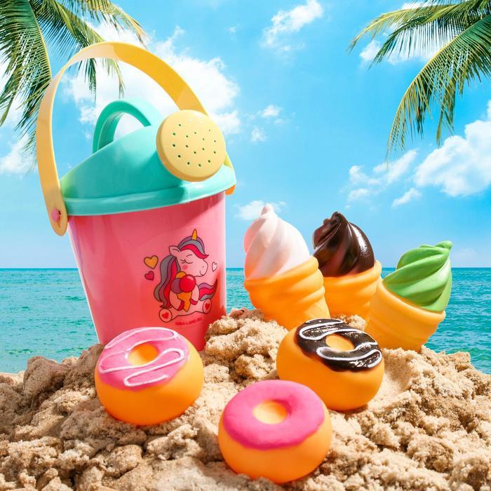 """Набор для купания """"Вкусняшки"""": резиновые игрушки + лейка"""