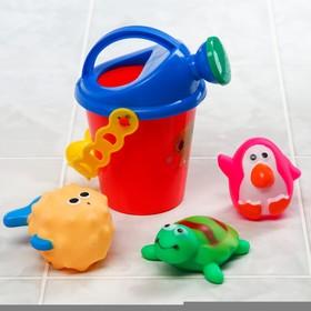 """Набор для купания """"Морские малыши"""": резиновые игрушки + лейка"""