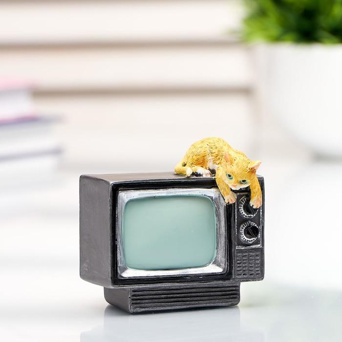 "Сувенир полистоун миниатюра ""Котёнок на телевизоре"" 6х6х6,5 см"