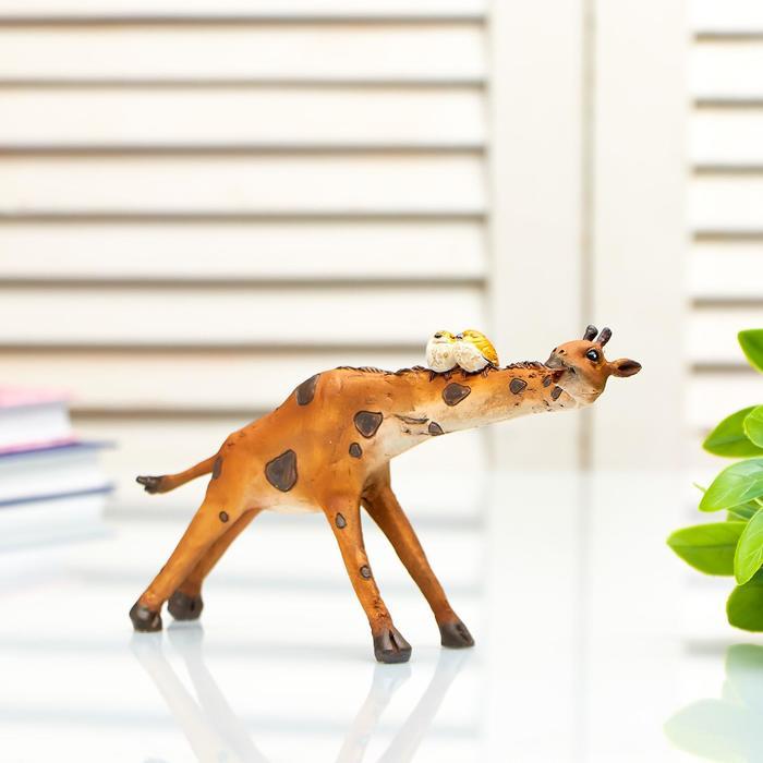 """Сувенир полистоун миниатюра """"Жираф с птичками на шее"""" 9,5х4,5х17 см"""