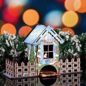 """Чайный домик новогодний """"Олени"""", цветной, 8×16×25.7 см"""