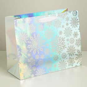 Пакет голографический горизонтальный «Новогодняя метель», 33 × 26 × 13,5 см
