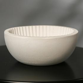 {{photo.Alt || photo.Description || 'Кашпо круглое из гипса «Эстетика», цвет белый, 20 × 8.5 см'}}
