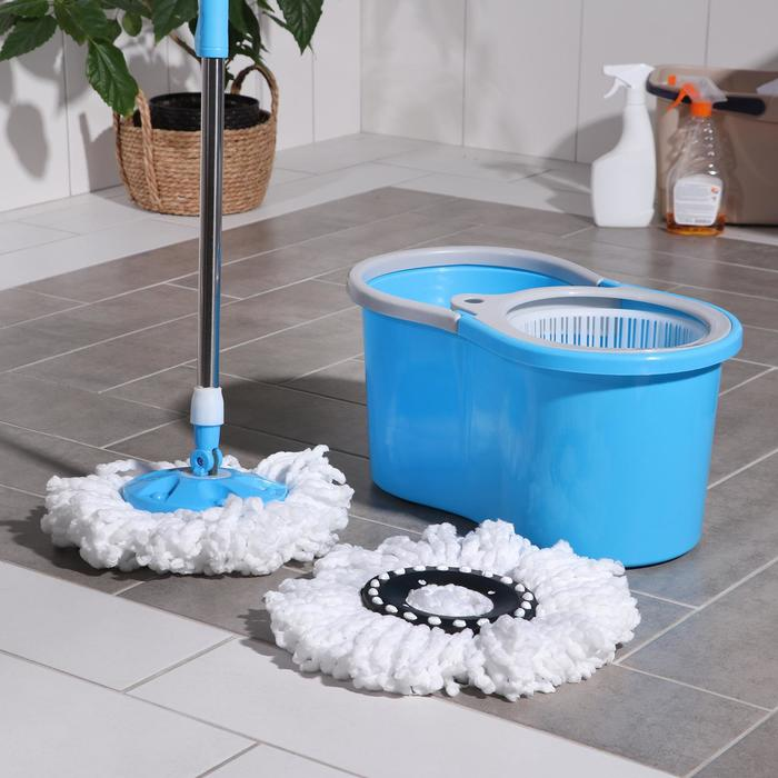 Набор для уборки: швабра, ведро с пластиковой центрифугой, запасная насадка из микрофибры, цвет МИКС