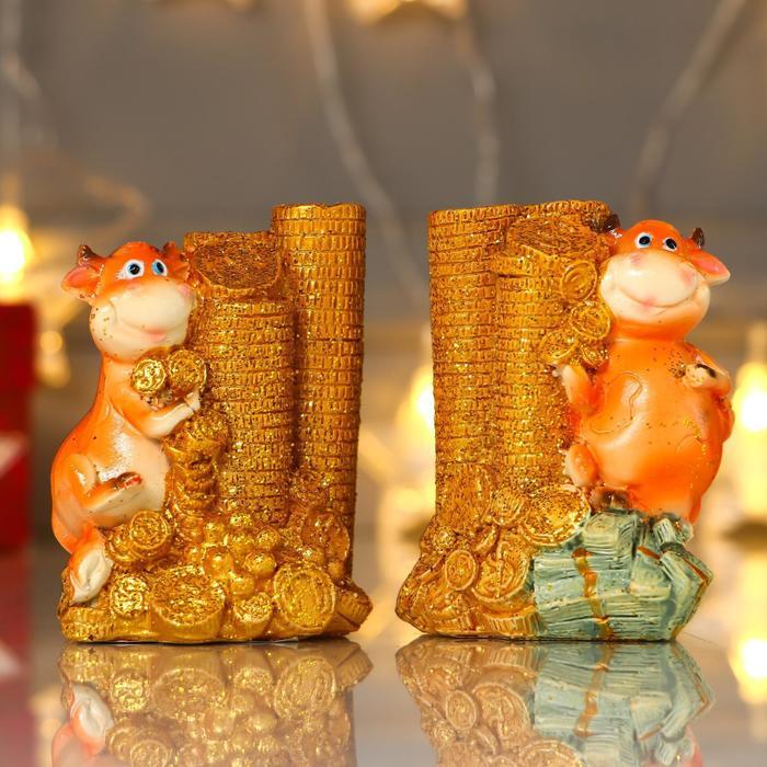 "Сувенир полистоун ""Бычок с горкой золотых монет"" МИКС 8,4х6,3х4,8 см"