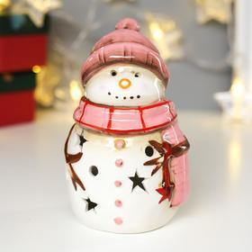 """Сувенир керамика свет """"Снеговик в розовой вязаной шапке и шарфе"""" 13,5х8х8,3 см"""