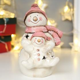 """Сувенир керамика свет """"Снеговик со снеговичком в розовых колпаках"""" 17,5х11х12,5 см"""