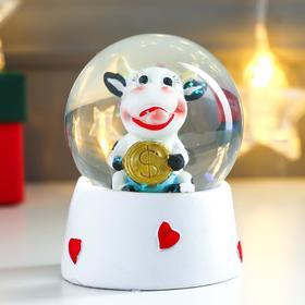 """Souvenir Polyresin water globe """"Cow with Golden coin"""" 9х7х7 cm"""