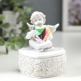 "Сувенир полистоун шкатулка ""Белоснежный ангел с переливающимся сердцем"" 8х6,5х5,4 см"