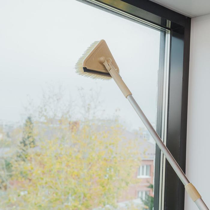 Окномойка для сильных загрязнений с алюминиевым черенком и сгоном, 15×10×63 (94) см, пластиковая щетина - фото 4644487