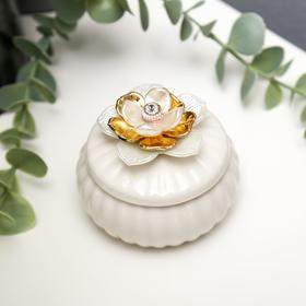 "Сувенир керамика ""Белая лилия с золотом"" 5,5х7х7 см"