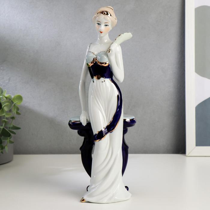 """Сувенир """"Девушка у столика с веером"""" - фото 373000379"""