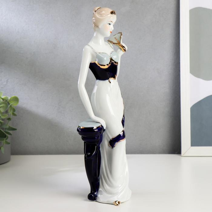 """Сувенир """"Девушка у столика с веером"""" - фото 373000380"""