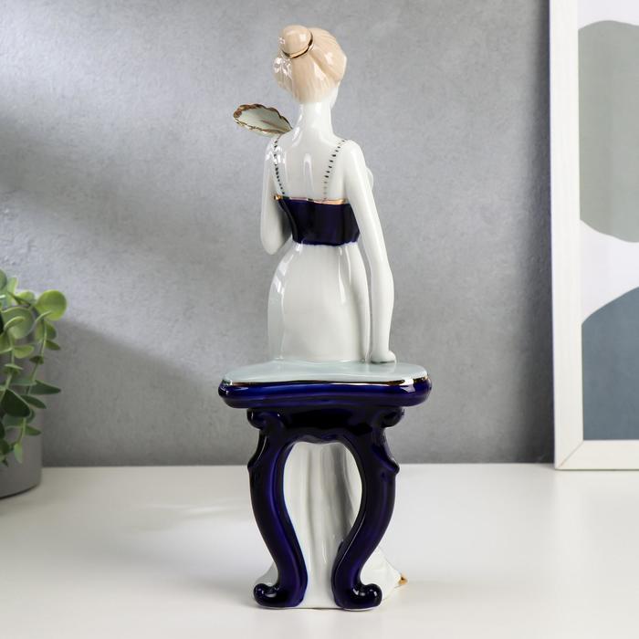 """Сувенир """"Девушка у столика с веером"""" - фото 373000381"""