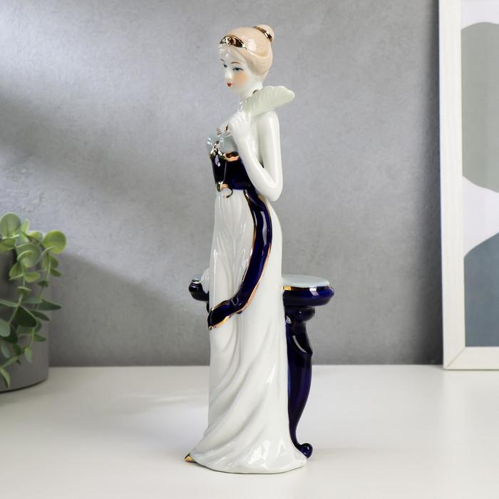 """Сувенир """"Девушка у столика с веером"""" - фото 373000382"""
