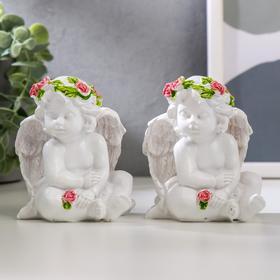 """Сувенир полистоун """"Белоснежный ангел с розой, в венке из роз"""" МИКС 8х7,2х6 см"""