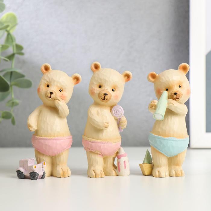 "Сувенир полистоун ""Медвежонок в трусиках, с игрушкой"" МИКС 9х3,5х3 см"