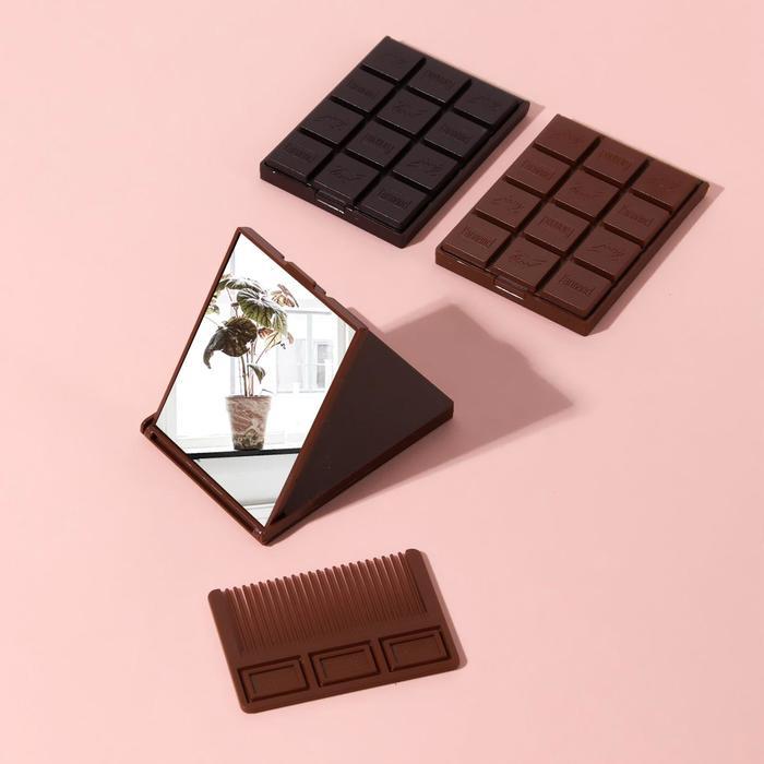 Зеркало складное «Шоколадное чудо», с расчёской, 8,5 × 6 см, рисунок МИКС