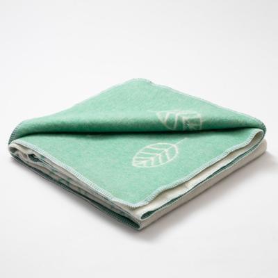 "Blanket ""Ethel"" Leaves, 147x212 cm, 78% cotton, 22% p/e"
