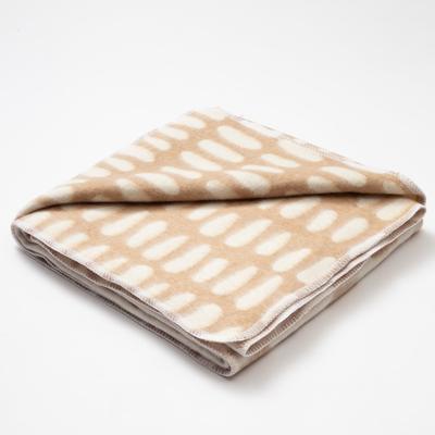 """Blanket """"Ethel"""" Line art, 147x212 cm, 78% cotton, 22% p/e"""