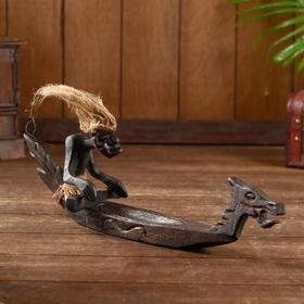 """Сувенир из дерева """"Абориген в каноэ"""" 44х11х12 см"""