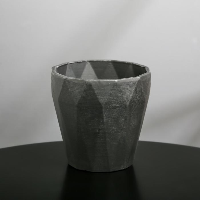 Кашпо из гипса «Полигональ», цвет чёрный, 10.5 × 11 см
