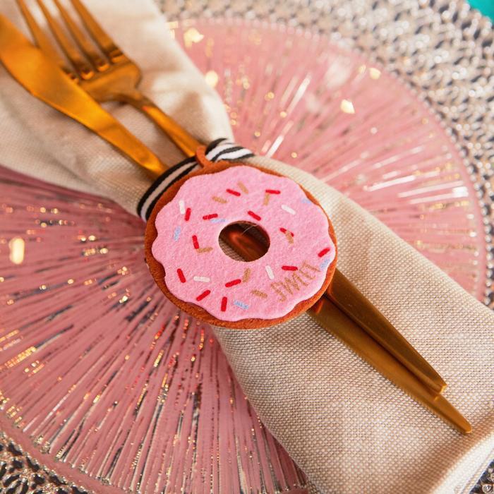 """Декор для салфетки """"Пончик"""" 6,1 х 7,1 см, 100% п/э, фетр"""