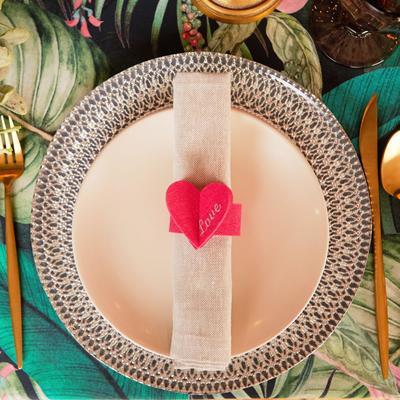 """Napkin ring """"Love"""" 20 x 5.1 cm, 100% p/e, felt"""