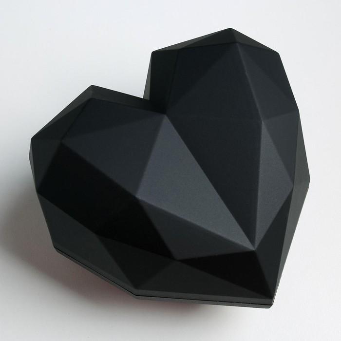 Подарочная коробка «Черное сердце» матовая, 25 × 25 × 18 см - фото 2083100