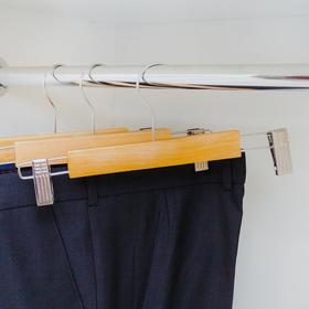 Вешалка для брюк и юбок с зажимами, 27,5×11,5 см, цвет светлое дерево - фото 4642577