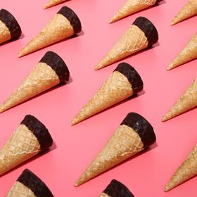 Waffle cones with a smooth edge glazed with chocolate, 170 PCs