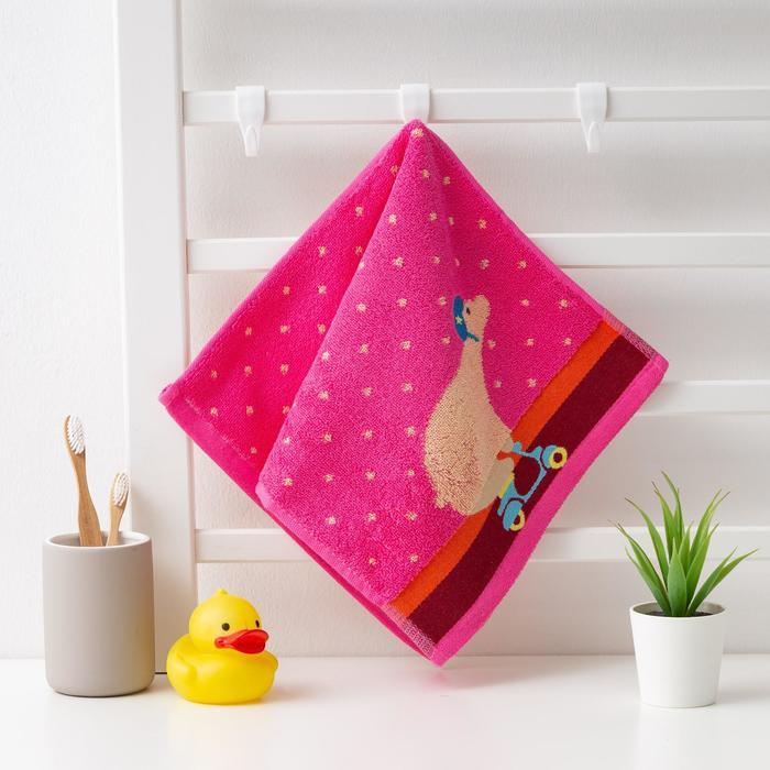 """Полотенце махровое Крошка Я """"Мишка""""Вид 2, 25*50 см, цв.розовый, 100% хлопок, 400 гр/м2 - фото 766639"""