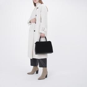 Сумка женская, отдел на молнии, наружный карман, длинный ремень, цвет чёрный - фото 52092