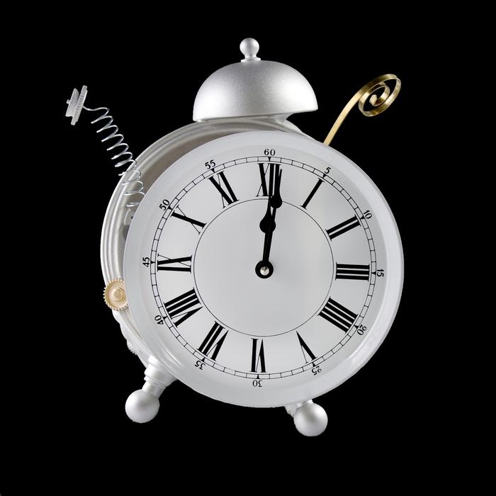 """Часы настенные """"Сломанный будильник"""""""