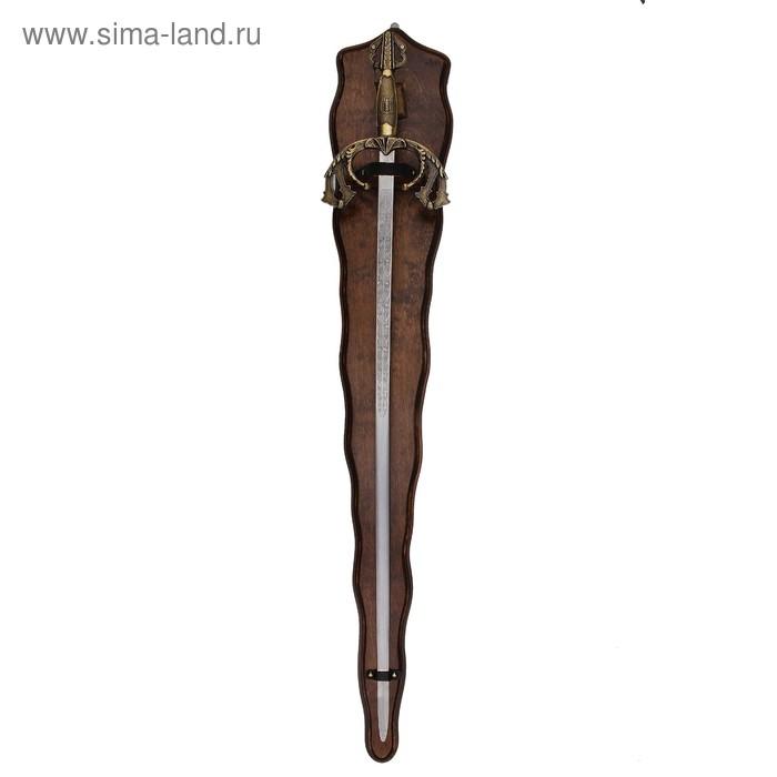 Макет меча на панели