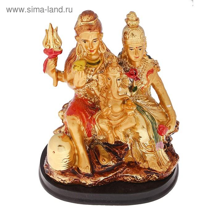"""Нэцкэ """"Шива с женой Парвати и сыном Ганешей"""" под золото"""