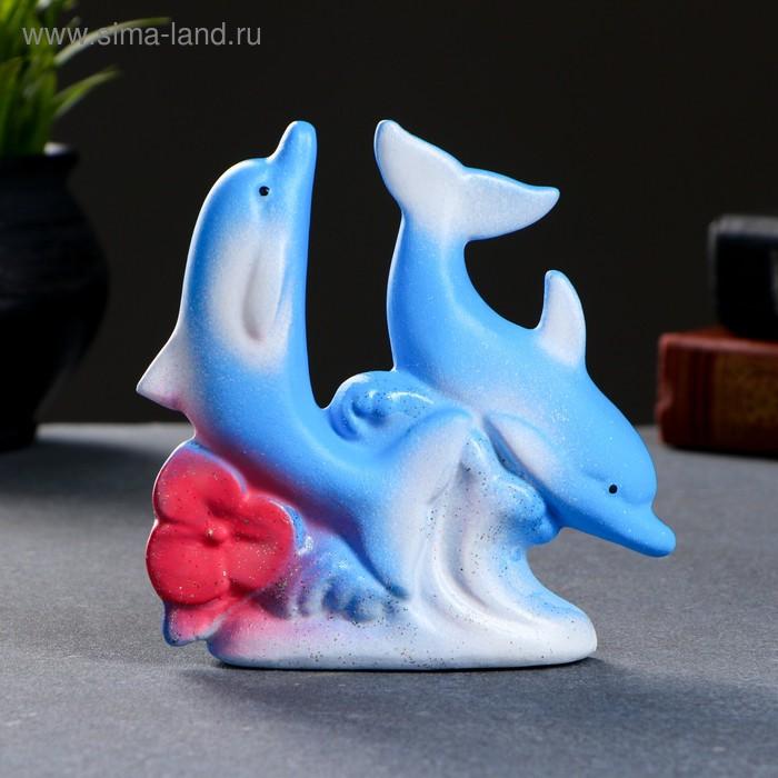"""Сувенир """"Дельфины парные с цветком"""""""