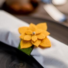 """Кольцо для салфетки """"Суккулент"""" жёлт, 7 х 7,1 см, 100% п/э, фетр"""