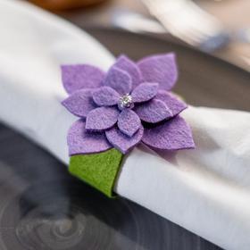 """Кольцо для салфетки """"Суккулент"""" фиолет, 7 х 7,1 см, 100% п/э, фетр"""