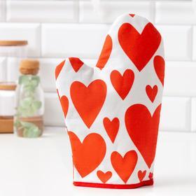 "{{photo.Alt || photo.Description || 'Варежка-прихватка ""Этель"" Red hearts 20х27см,100% х/л, ватин 250г/м2 (двухсторонняя)'}}"