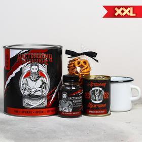 Подарочный набор «Настоящему мужчине»: чай 50 г, кружка 350 мл, орехи 300 г, крекер 70 г