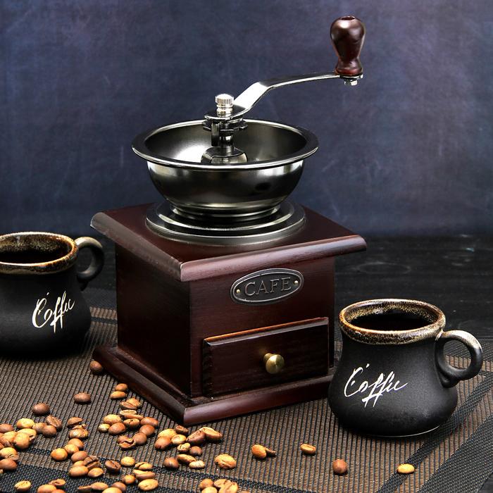 "Кофемолка ручная 10х10х16 см ""Василиса"", цвет темное дерево"